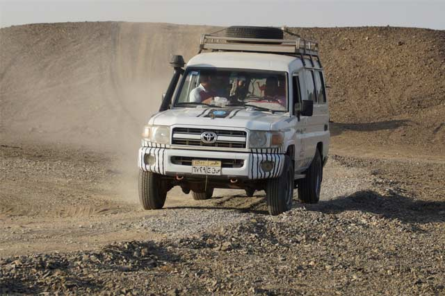 comfortable 4x4 for safari tourist